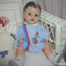 Muñecas Extranjeras: MUÑECO DE CARTON PIEDRA ORIGÉN INGLES. Lote 182750906