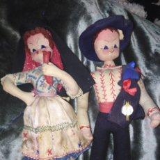 Muñecas Extranjeras: PAREJA DE MUÑECOS ANTIGUOS PORTUGUESES REGIONALES. Lote 188533216