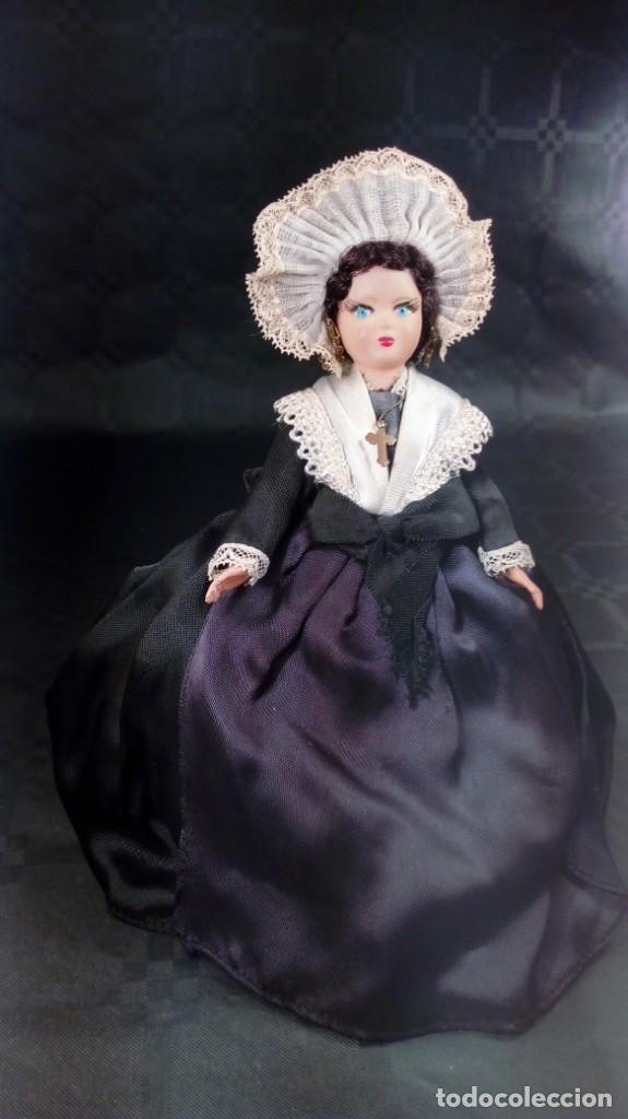 Muñecas Extranjeras: MUÑECA EN CELULOIDE. OJOS PINTADOS. ARTESANAL. TIPO PETITCOLLIN. AÑOS 40 – 50. - Foto 2 - 190144245