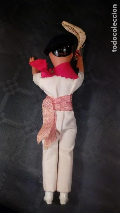 Muñecas Extranjeras: MUÑECO JUGADOR DE PELOTA VASCA. CELULOIDE. OJOS PINTADOS. ARTESANA. AÑOS 50. - Foto 4 - 190212386