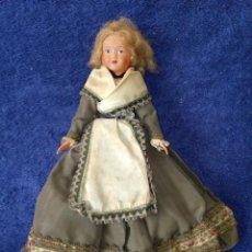 Muñecas Extranjeras: MUÑECA DE CELULOIDE CON TRAJE DE RASO. Lote 190406082