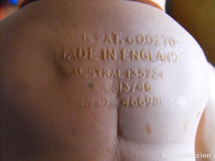 Muñecas Extranjeras: Muñeco bebe. Ojos dormilones. Made in England. Años 40 o 50. Cuerpo de goma. Cabeza celuloide. - Foto 9 - 193176595