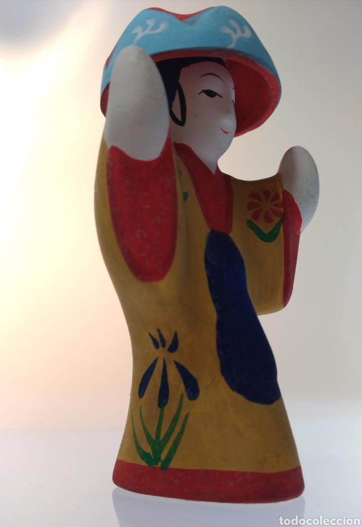 Muñecas Extranjeras: Figurita tradicional japonesa de Okinawa Ryukyu Kyoudogangu - Foto 2 - 195154483