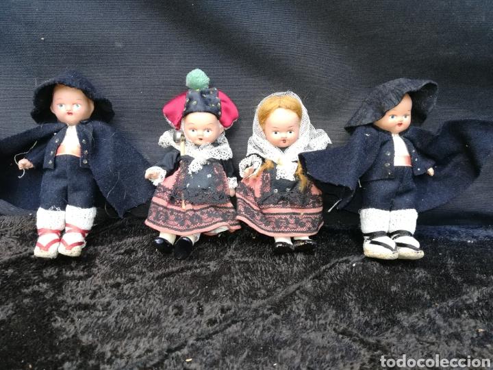 4 MUCHECOS /AS ANTIGUAS DE BARRO Y TRAPO (Juguetes - Muñeca Extranjera Antigua - Otras Muñecas)