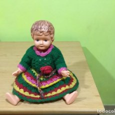 Muñecas Extranjeras: MUÑECA DE PLÁSTICO BLANDO AÑOS 40-50. Lote 204182496