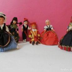 Muñecas Extranjeras: LOTE DE 6 MUÑECAS Y MUÑECOS ANTIGUOS. Lote 208680085