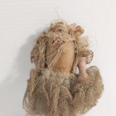 Muñecas Extranjeras: ANTIGUA MUÑECA SIN CABEZA. Lote 210282007