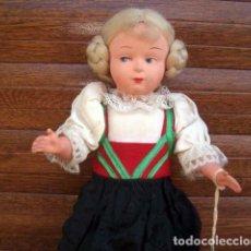 Muñecas Extranjeras: MUÑECA ANTIGUA DE CELULOIDE. REGIONAL O ETNICA / ENTRE 1950 - 1960 / 23 CM / ETIQUETA ORIGEN LOTE 10. Lote 213244658