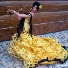 Muñecas Extranjeras: MUÑECA ANTIGUA GITANA FLAMENCA MARIN , CON MUCHOS DETALLES Y VESTIDO DE COLA. VER FOTOS / LOTE 20. Lote 214359436