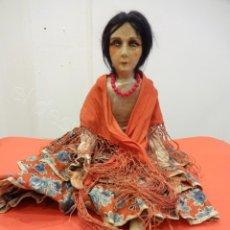 Muñecas Extranjeras: GITANA CON MANTÓN. MUÑECA BOUDOIR O DE SALÓN. AÑOS 1920S. Lote 218235377