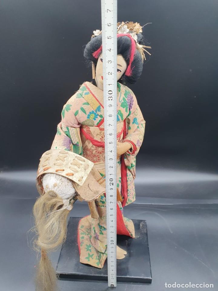 Muñecas Extranjeras: muñeca antigua geisha pintada a mano y con pelo natural de los años 70 - Foto 9 - 221815450