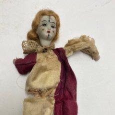Muñecas Extranjeras: MUÑECA DE PORCELANA Y CARTON PIEDRA. PRINCIPIOS S.XX.. Lote 221934982