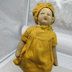 Muñecas Extranjeras: MUÑECA MUY ANTIGUA AÑOS 20 CON EL ROPAJE ORIGINAL DE LA ÉPOCA.. Lote 222801322