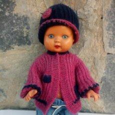 Bambole Internazionali: MUÑECA BEBE KADER, MADE IN HONG KONG.B 35161/2 B H. AÑOS 60 ,CIERRA LOS OJOS Y SACA LA LENGUA. Lote 222928882