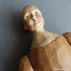 Muñecas Extranjeras: MUÑECA ARTICULADA TALLADA DE MADERA. 1960 - 1970. Lote 223983846