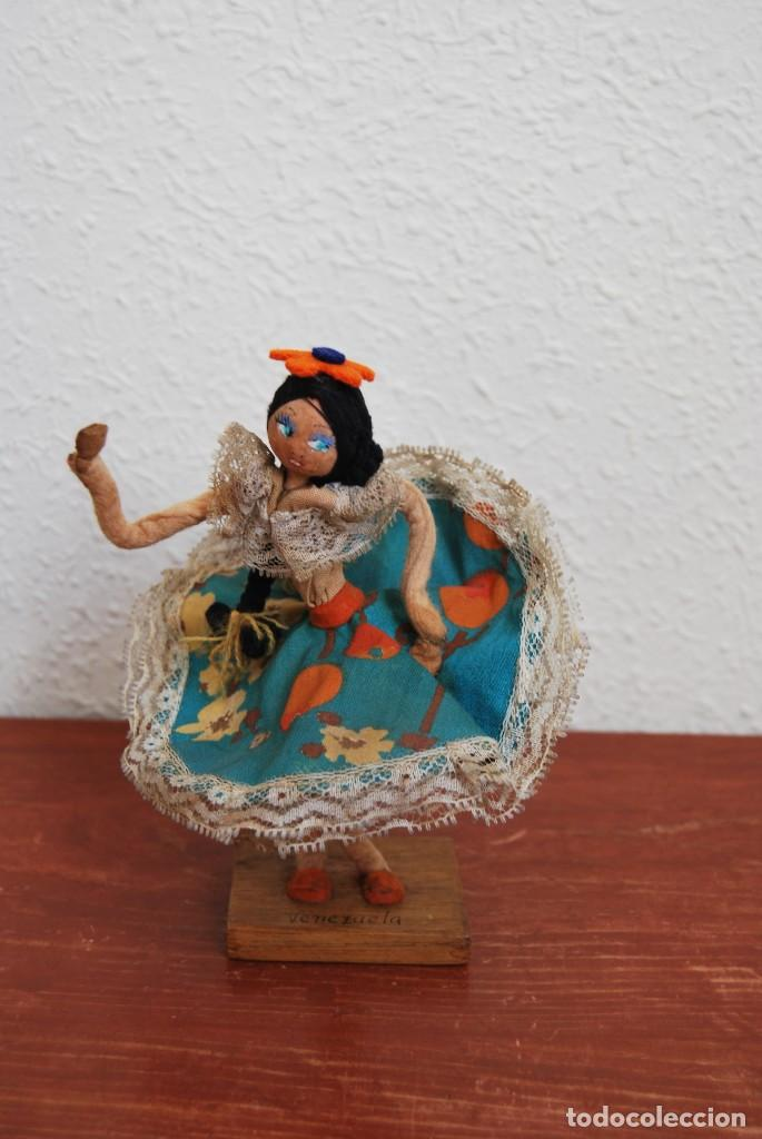 MUÑECA DE TELA, FIELTRO Y ALAMBRE - VENEZUELA - BAILARINA- AÑOS 50-60 (Juguetes - Muñeca Extranjera Antigua - Otras Muñecas)