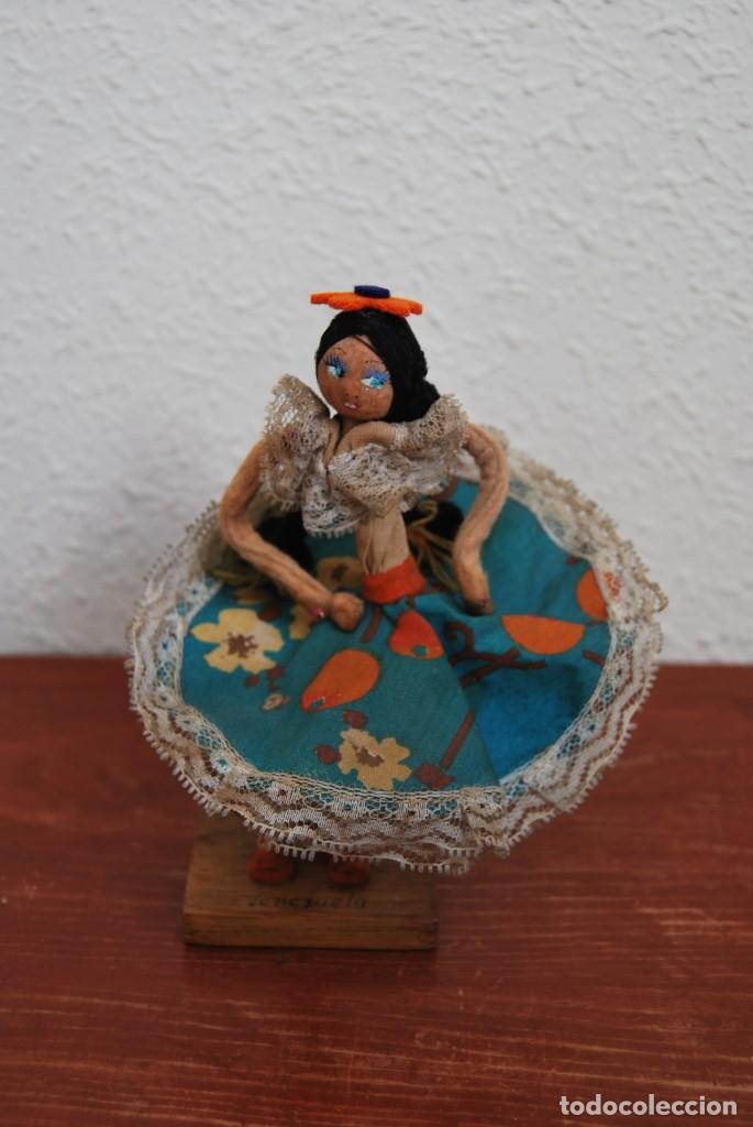 Muñecas Extranjeras: MUÑECA DE TELA, FIELTRO Y ALAMBRE - VENEZUELA - BAILARINA- AÑOS 50-60 - Foto 12 - 225233795