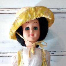 Muñecas Extranjeras: MUÑECA ITALIANA GRANDE AÑOS 60 MUY GUAPA. Lote 230855135