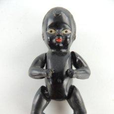 Bambole Internazionali: BEBE NEGRITO ANTIGUO MUÑECO PEQUEÑO CARA PINTADA A MANO AÑOS 50-60. Lote 235080360