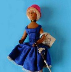 Muñecas Extranjeras: ANTIGUA MUÑECA - LES POUPÉES PEYNET - ESPUMA Y ALAMBRE - CON CAJA Y CATALOGO - AÑOS 50. Lote 250228325