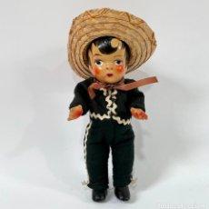 Muñecas Extranjeras: ANTIGUO MUÑECO MEXICANO DE HOJALATA O METAL. Lote 257615495