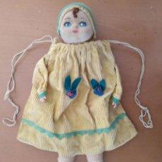 Muñecas Extranjeras: CURIOSA Y BONITA MUÑECA BOLSA EN MACHE, TRAPO, CELULOIDE Y MOHAIR. CA. 1925. Lote 258159090