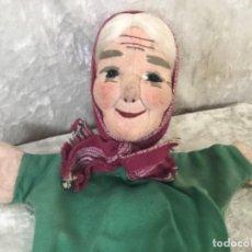 Muñecas Extranjeras: MARIONETA ANTIGUA ABUELA. Lote 259840535