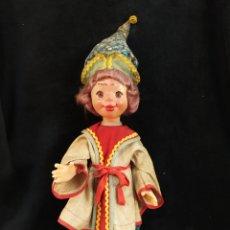 Muñecas Extranjeras: MUÑECA, POSIBLE AÑOS 60. ROPA REGIONAL. 60CM. Lote 277643538