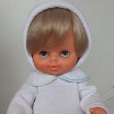 Muñecas Lesly y Barriguitas: PRECIOSO CHALO DE FAMOSA MUY NUEVECITO. Lote 52140423