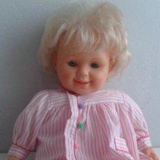 Muñecas Lesly y Barriguitas: MUÑECA POLILLA DE FAMOSA. Lote 82394788