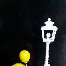 Muñecas Lesly y Barriguitas: LOTE MUÑECO+GLOBO+FAROLA PIN Y PON. Lote 101194959