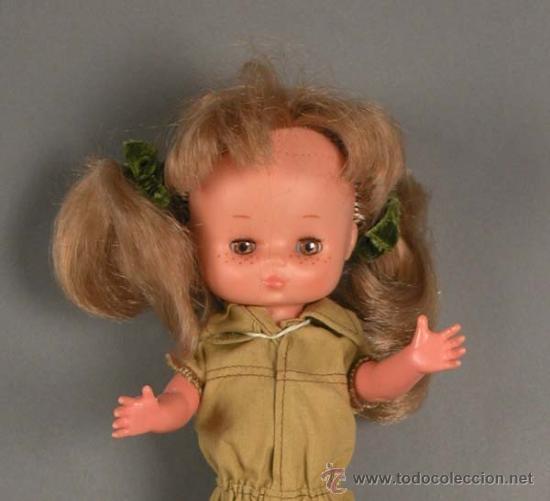 Muñecas Lesly de Famosa: Preciosa !!! LESLY AÑOS 70 !! 9-10 pecas. - Foto 2 - 22804280