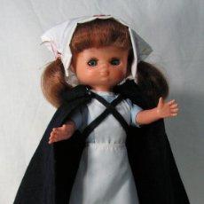 Muñecas Lesly de Famosa: CONJUNTO ENFERMERA / ATS DE LESLY. COMPLETO Y CON ZAPATOS. Nº ETIQUETA: 75.. Lote 18559445