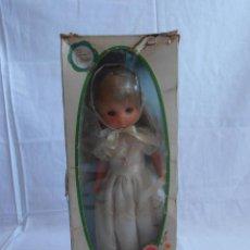 Muñecas Lesly de Famosa: MUÑECA LESLY, COMUNIÓN EN CAJA ORIGINAL FAMOSA AÑOS 70. Lote 50364793