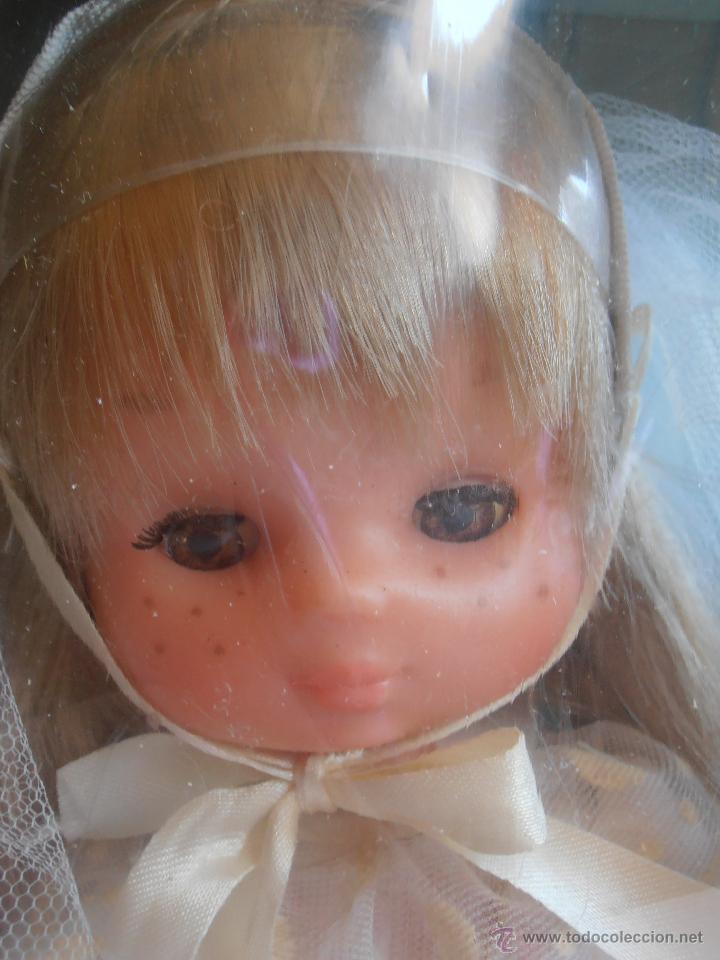 Muñecas Lesly de Famosa: MUÑECA LESLY, COMUNIÓN EN CAJA ORIGINAL FAMOSA AÑOS 70 - Foto 4 - 50364793