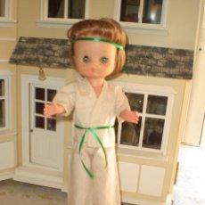 Muñecas Lesly de Famosa: MUÑECA LESLY JUDO ORIGINAL PELIRROJA. Lote 51725198