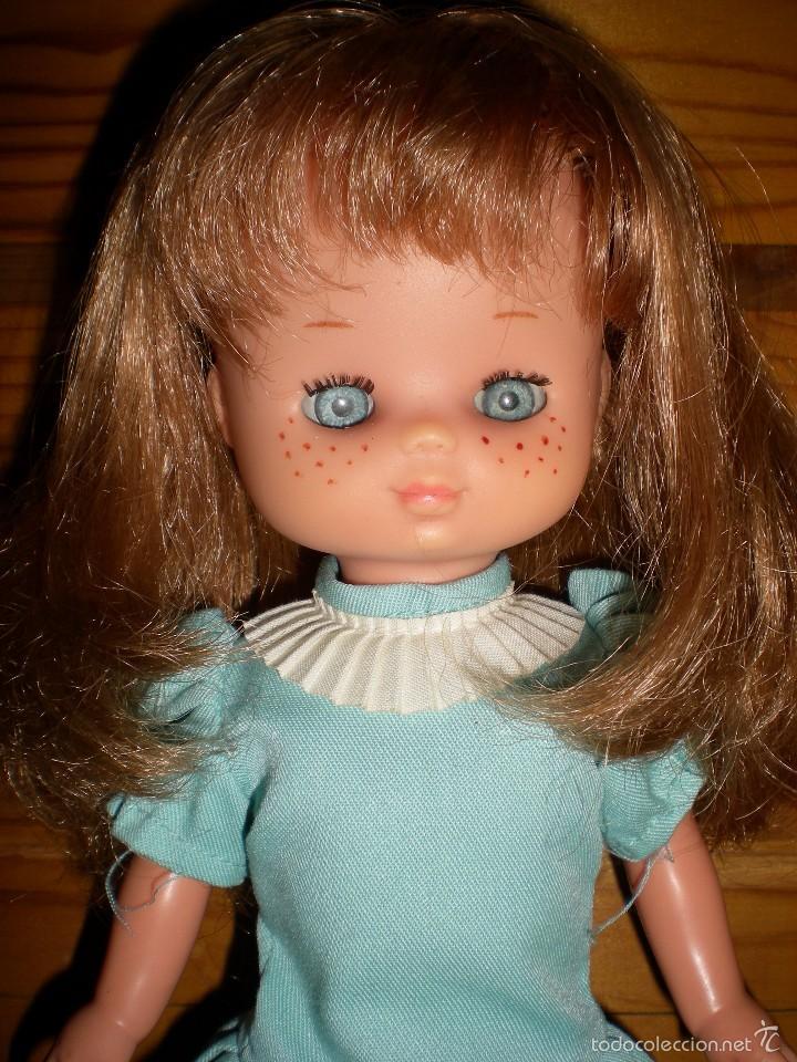 Muñecas Lesly de Famosa: lesly arona fiesta pelirroja famosa años 70 ojos cristal 10 pecas brazos duros - Foto 2 - 58386273