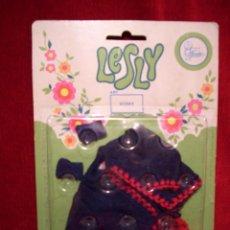 Muñecas Lesly de Famosa: CHAQUETA DE LESLY NUEVA EN SU BLISTER ORIGINAL. Lote 74504199