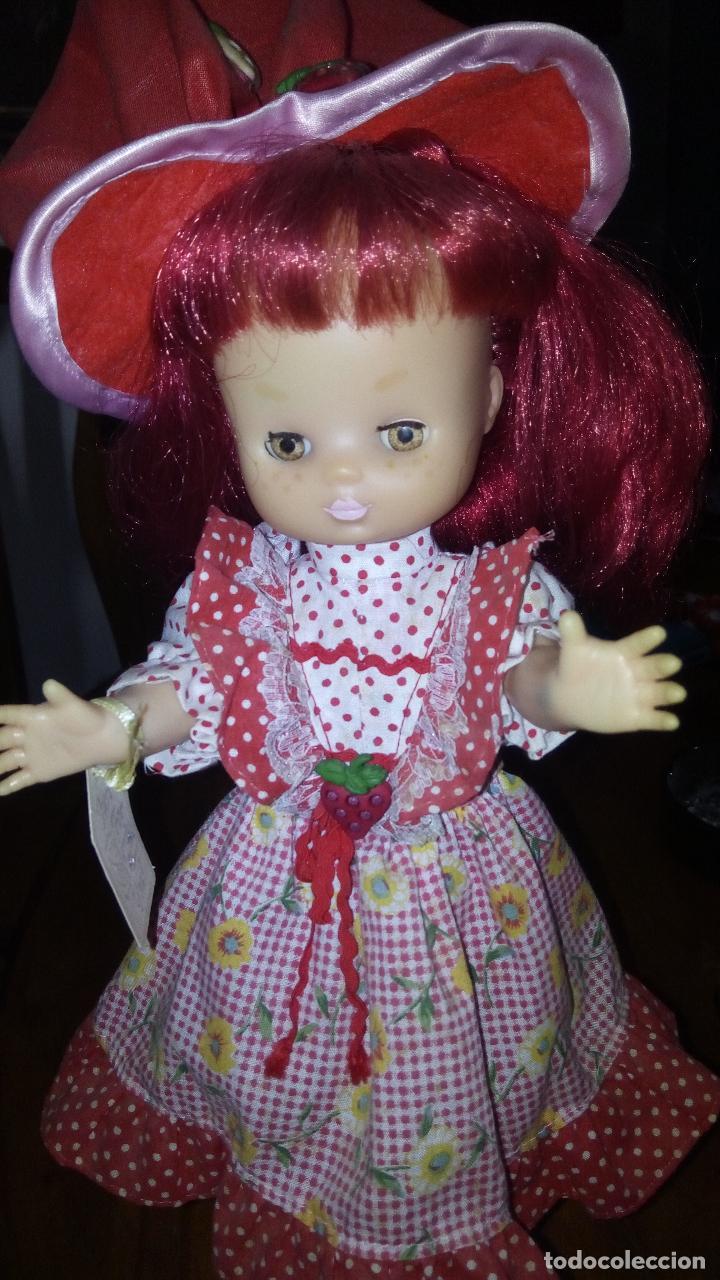Muñecas Lesly de Famosa: Lesly customizada de tarta de fresa - Foto 2 - 67590273