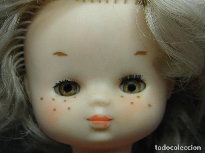 Muñecas Lesly de Famosa: MUÑECA LESLY CON VESTIDO MODELO ORIGINAL DE FAMOSA - Foto 4 - 93149295
