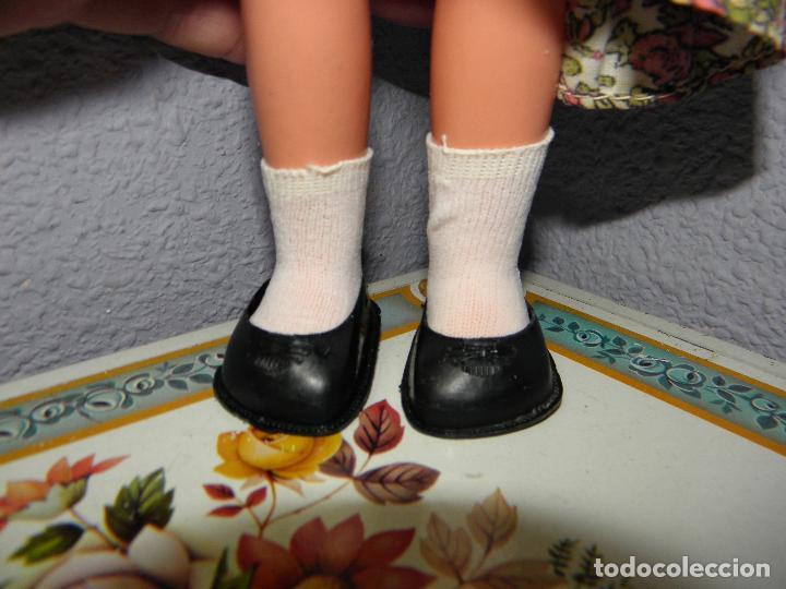 Muñecas Lesly de Famosa: MUÑECA LESLY CON VESTIDO MODELO ORIGINAL DE FAMOSA - Foto 7 - 93149295
