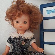 Muñecas Lesly de Famosa: LESLY 10 + 10 PECAS AÑOS 70 DE LAS PRIMERAS. Lote 94436868