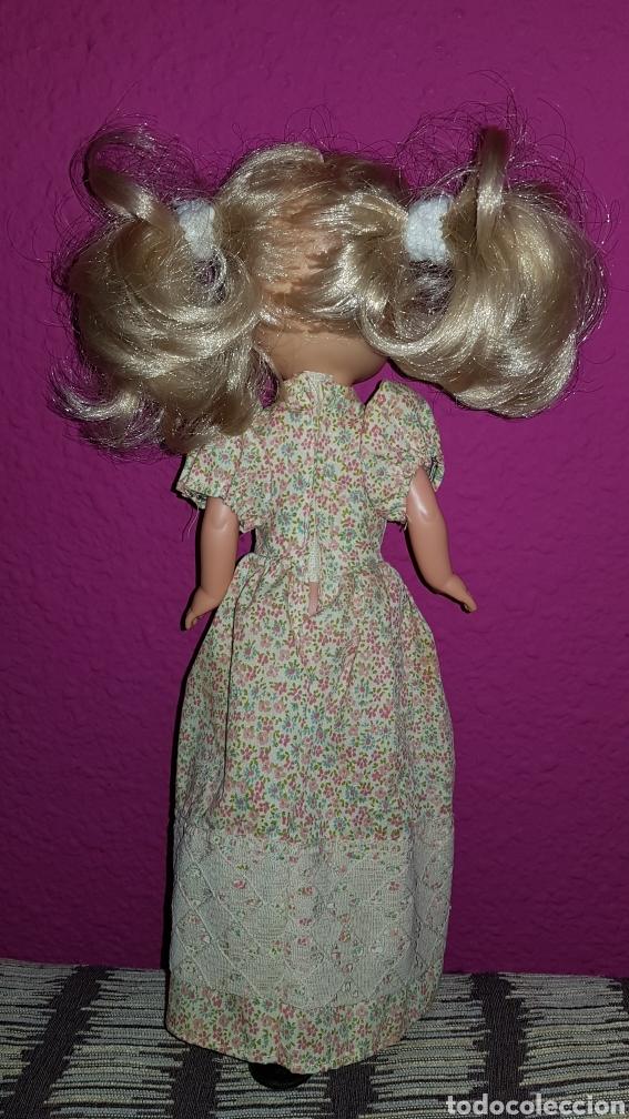 Muñecas Lesly de Famosa: Lesly 10 pecas años 70's brazos duros - Foto 2 - 99180307