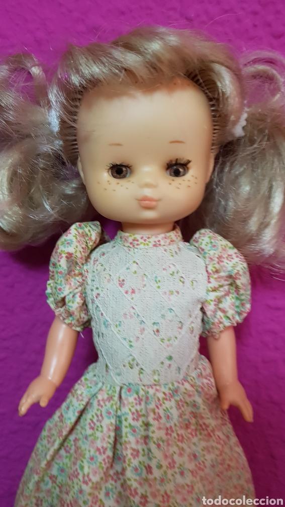 Muñecas Lesly de Famosa: Lesly 10 pecas años 70's brazos duros - Foto 5 - 99180307