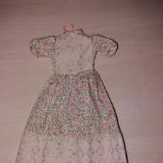 Muñecas Lesly de Famosa: ANTIGUO VESTIDO DE LESLY - AÑOS 70 - (VER FOTO ETIQUETA). Lote 104532336