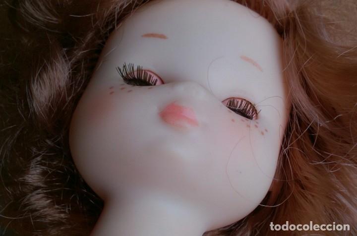 Muñecas Lesly de Famosa: Muñeca Lesly Famosa años 70 pelo corto rizado 10 pecas - Foto 8 - 113908599