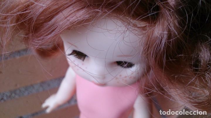 Muñecas Lesly de Famosa: Muñeca Lesly Famosa años 70 pelo corto rizado 10 pecas - Foto 10 - 113908599