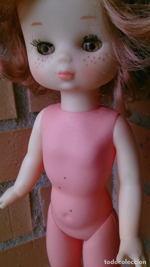 Muñecas Lesly de Famosa: Muñeca Lesly Famosa años 70 pelo corto rizado 10 pecas - Foto 18 - 113908599