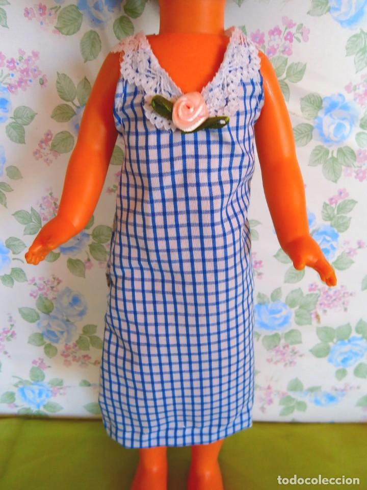 Muñecas Lesly de Famosa: Vestido cuadros para muñeca Lesly ropa casera muñecas no famosa - Foto 2 - 132166082