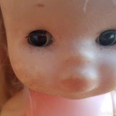 Muñecas Lesly de Famosa: CLOE DE FAMOSA RUBIA OJOS OSCUROS BRAZOS DUROS CUERPO Y BRAZOS BLANDOS. Lote 136098948